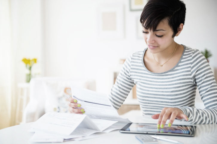 When Do Deferred Student Loans Show Up on a Credit Report?