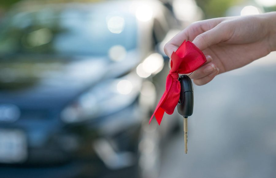 How to Negotiate a Car Lease article image.