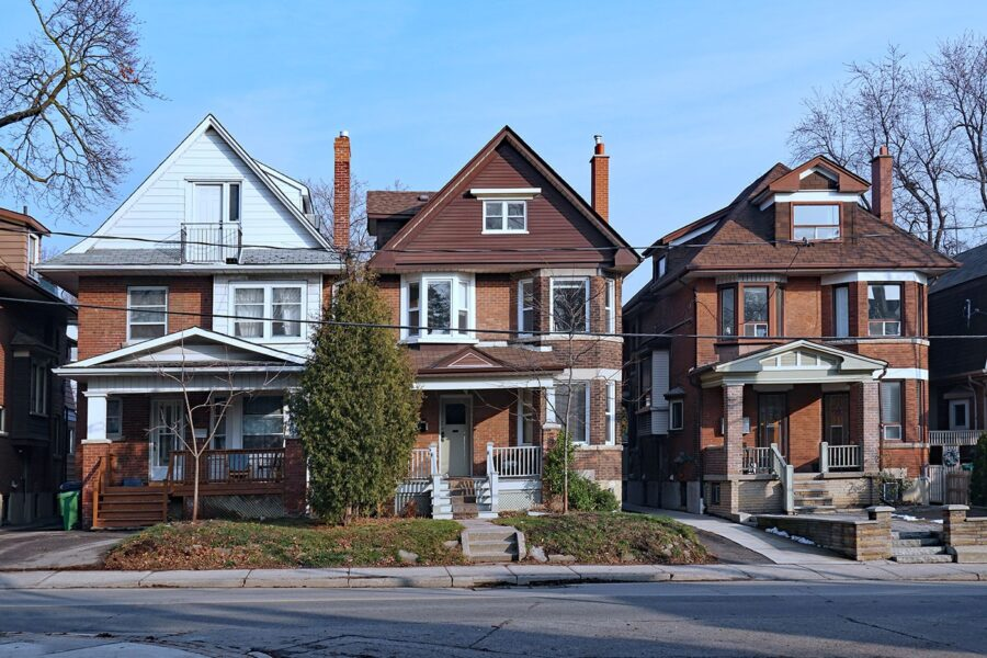 Do Older Homes Need Special Homeowners Insurance? article image.