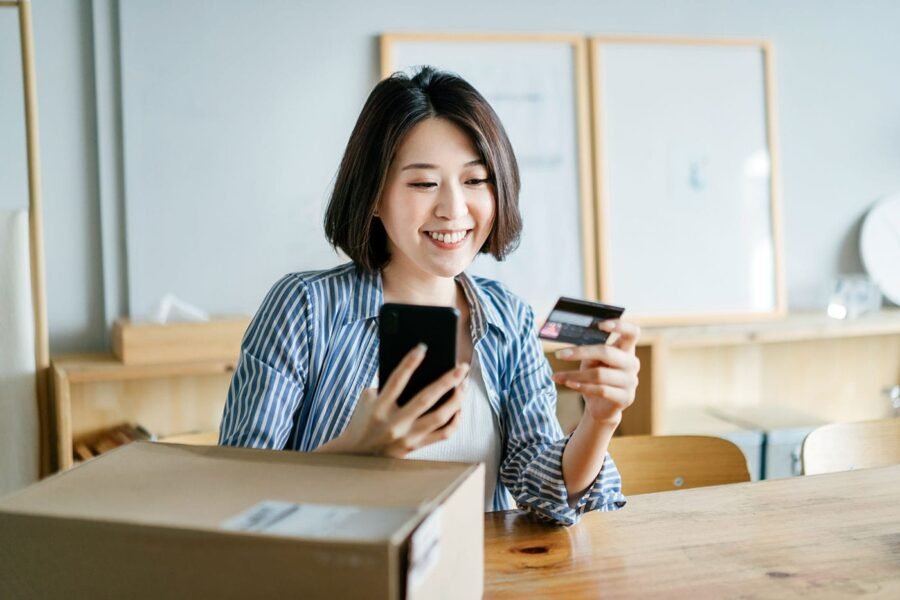 The Best Credit Card Mobile Apps of 2021 article image.