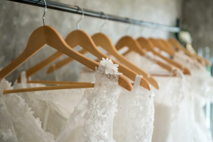 7 Ways to Save Money on Your Wedding Dress