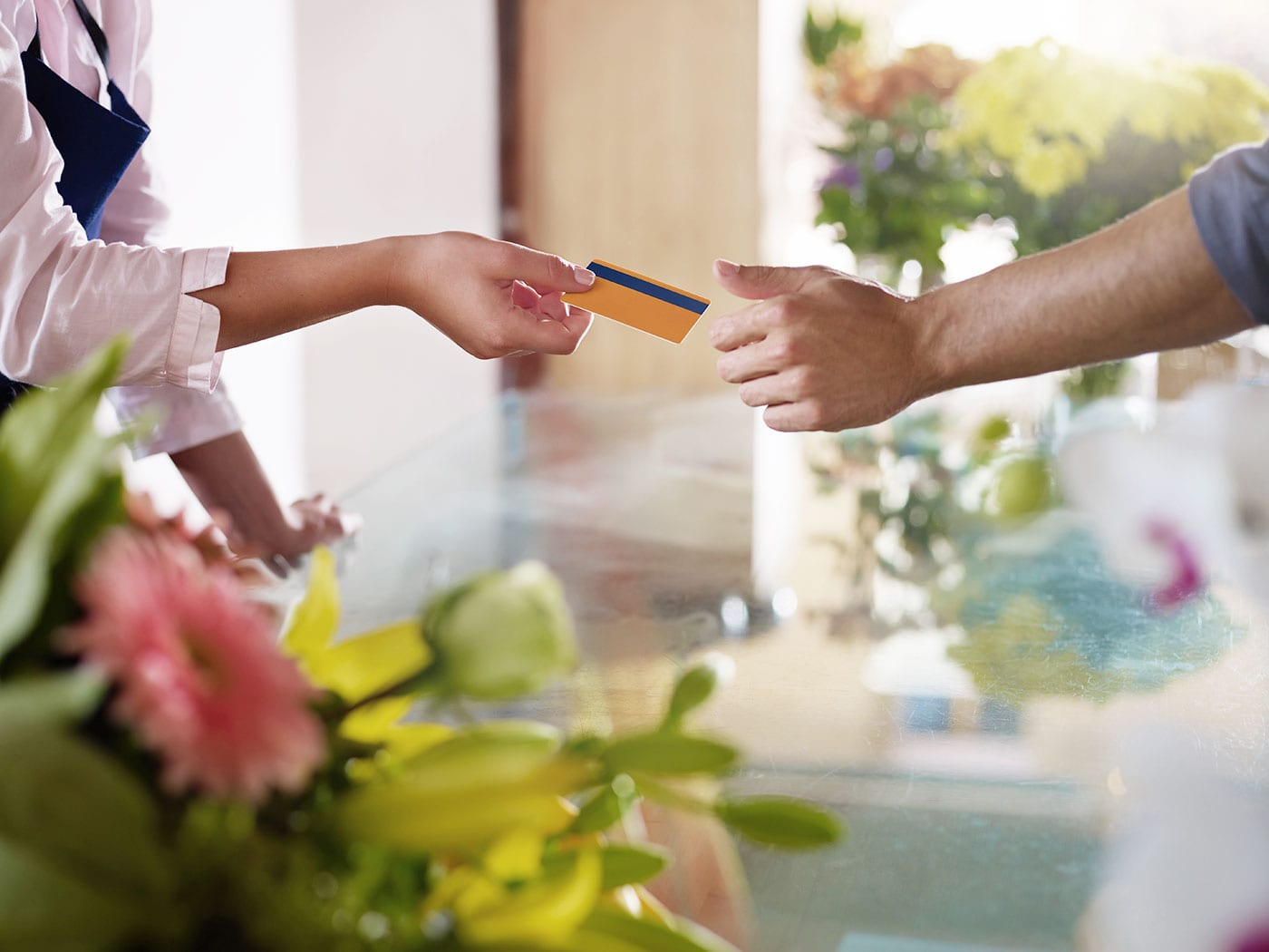 How Do Retail Credit Cards Affect Your Credit Score? article image.