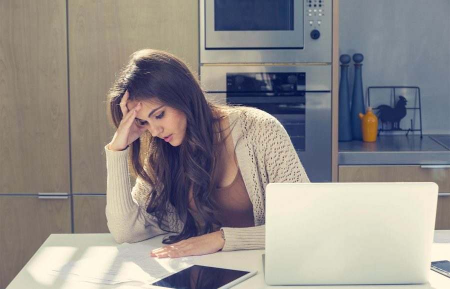 How to Pay Your Credit Card Bills in a Financial Emergency article image.